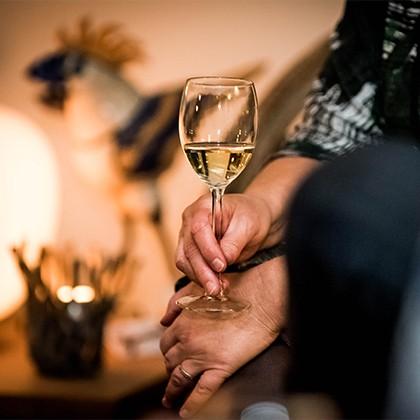 Een glaasje witte wijn