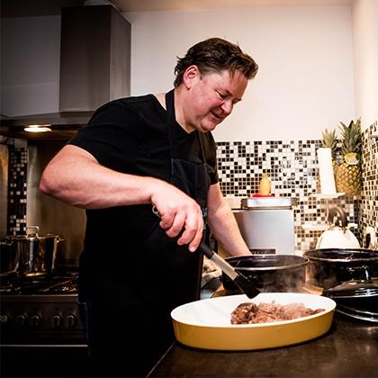 Rob kookt voor zijn gasten