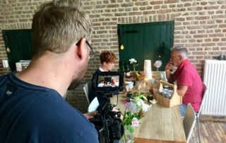 Douglas Robson filmt bij Dalauro Bed & Breakfast